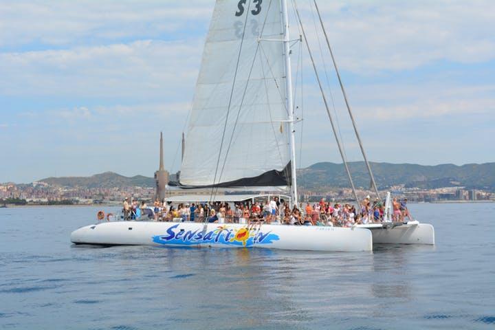 Fiesta en Catamaran Barcelona